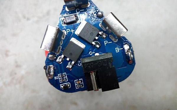 PCBA板上元器件易受静电击穿分析